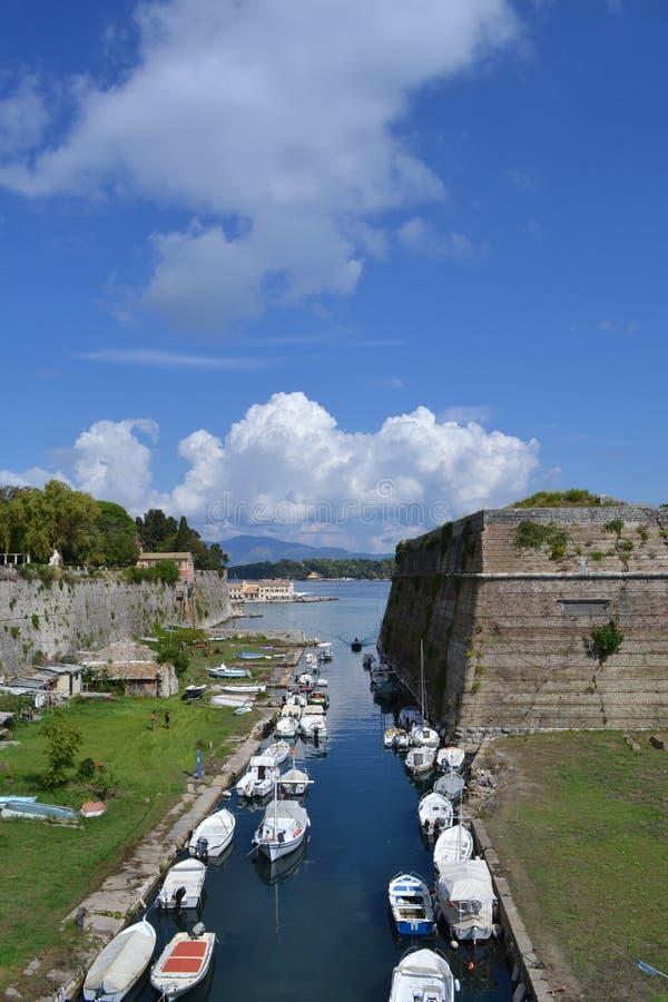 Корабли и крепость стоковые фотографии rf