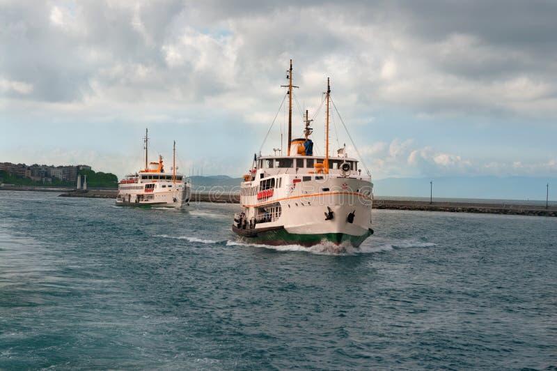 корабли istanbul стоковая фотография