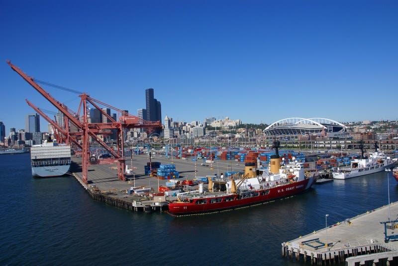 Корабль береговой охраны США на портовом районе Сиэтл стоковое изображение