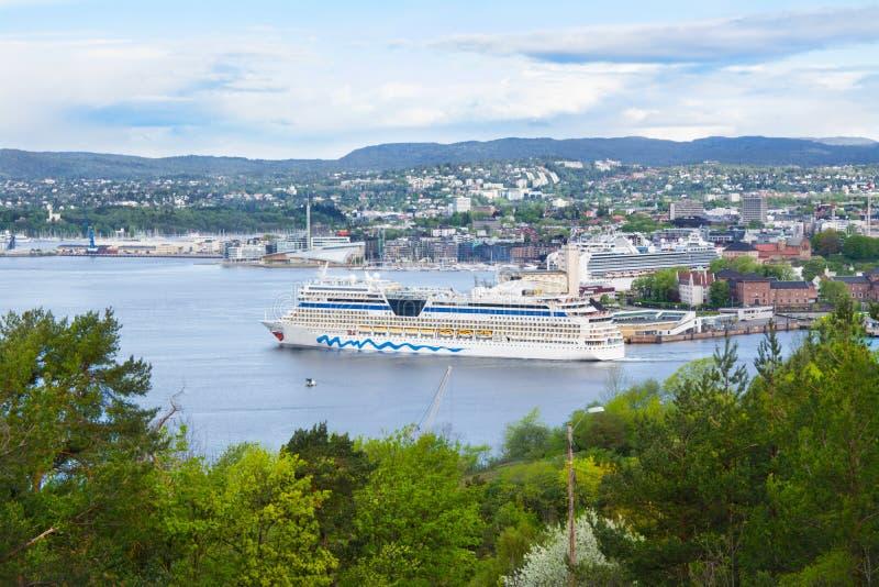 Корабль во фьорде Осло, Норвегии стоковое фото rf