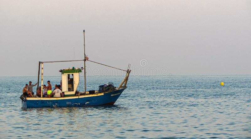 Корабль в морском рыболовстве стоковые фотографии rf