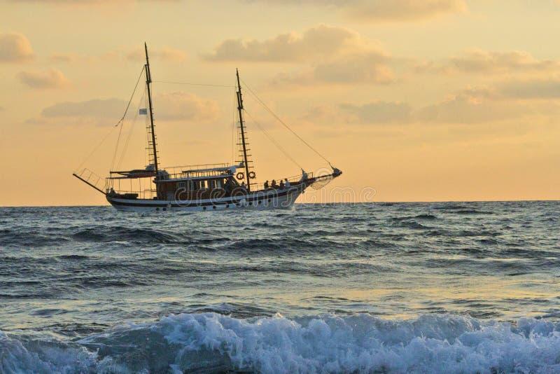 Корабль в Средиземном море стоковые фото