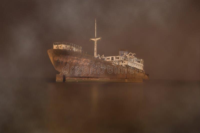 Корабль ГОСТ (Государственный стандарт) в myst стоковая фотография