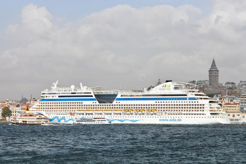 корабль дивы круиза aida стоковая фотография