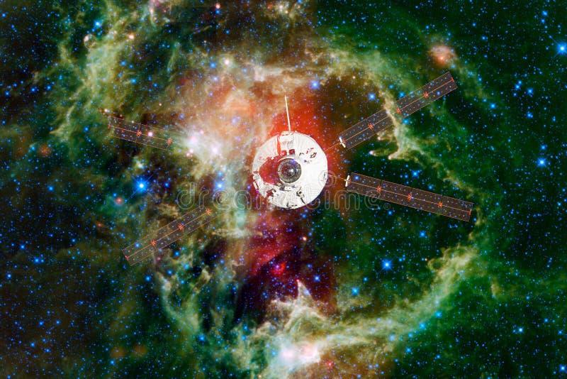 Корабль запустит в космос Красота космического пространства стоковые фотографии rf