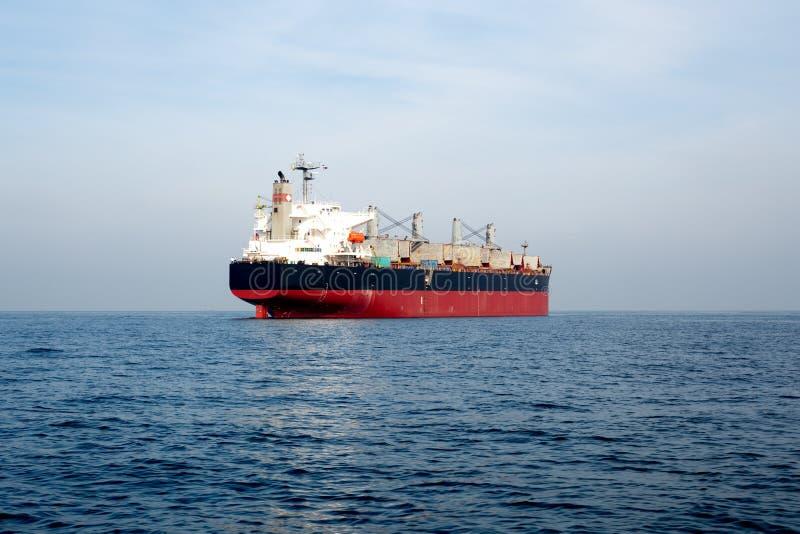 Корабль нефтяного нефтян нефти и газ стоковая фотография rf
