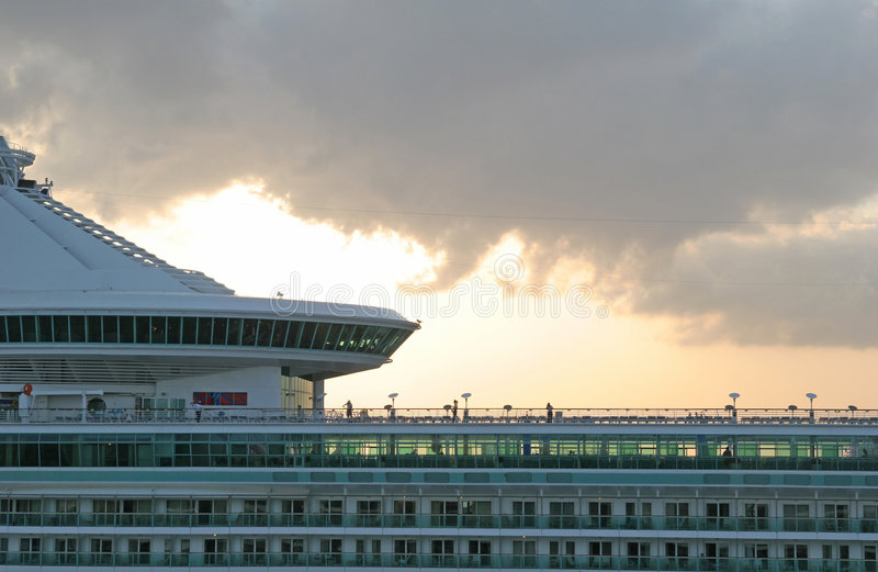 корабль облаков стоковая фотография rf
