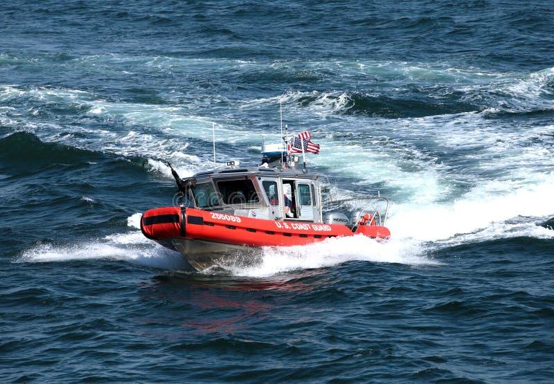 корабль пушки службы береговой охраны стоковая фотография