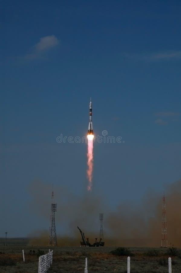 корабль soyuz старта cosmodrome baikonur стоковая фотография rf