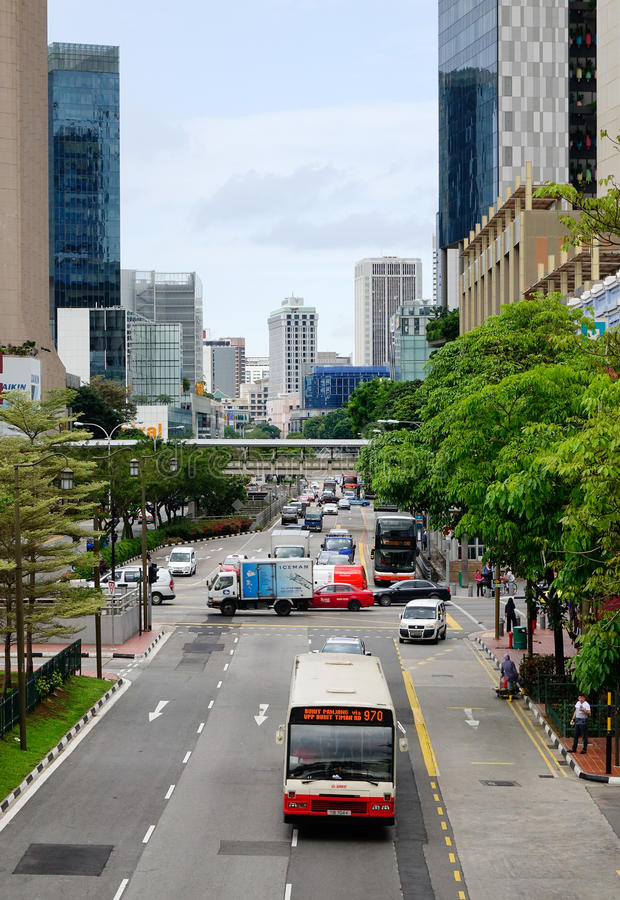 Корабли бегут на главной улице в Чайна-тауне, Сингапуре стоковые фото