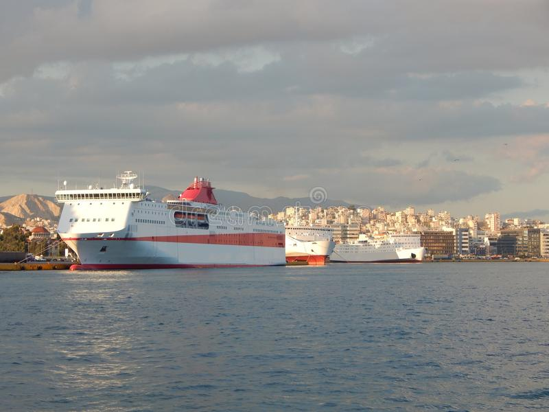 Корабли в гавани Пирея, Афин, Греции стоковое фото rf
