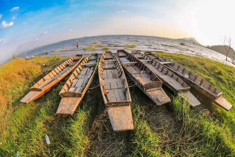 Корабль на береге стоковая фотография