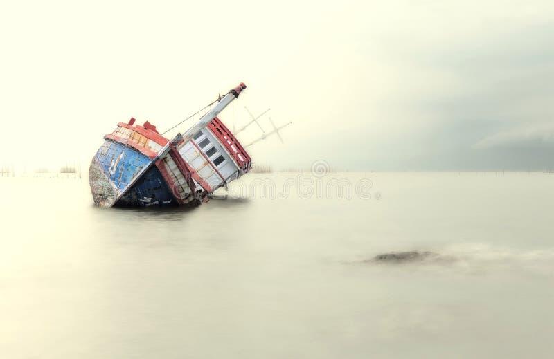 Корабль на мели стоковые фотографии rf