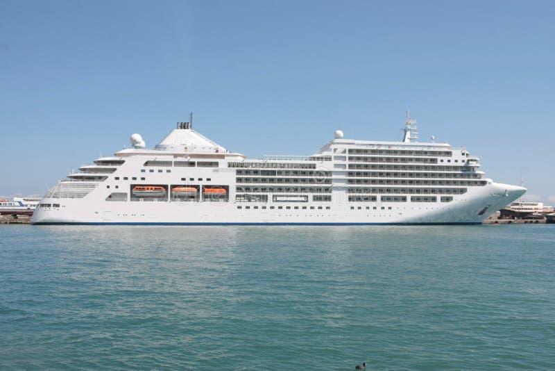 корабль luminosa круиза Косты стоковое изображение rf