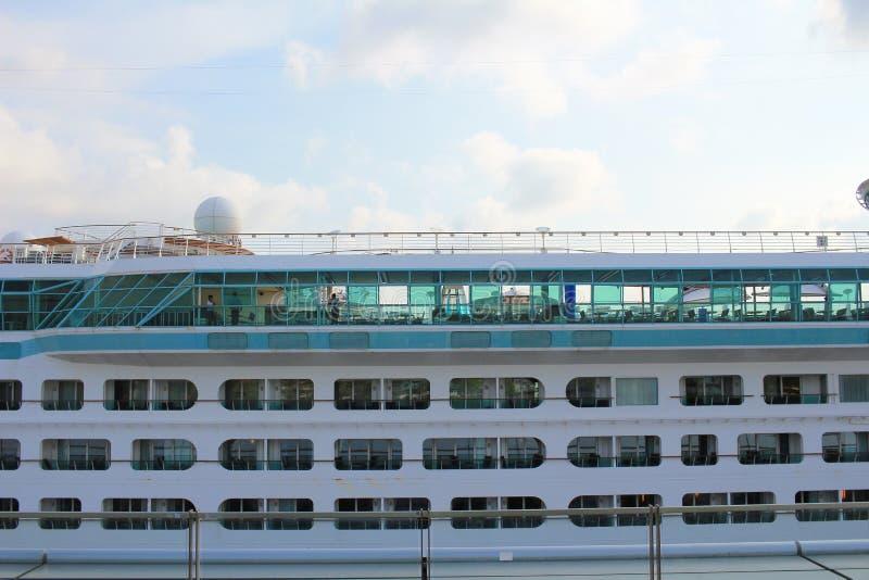 корабль luminosa круиза Косты стоковое изображение