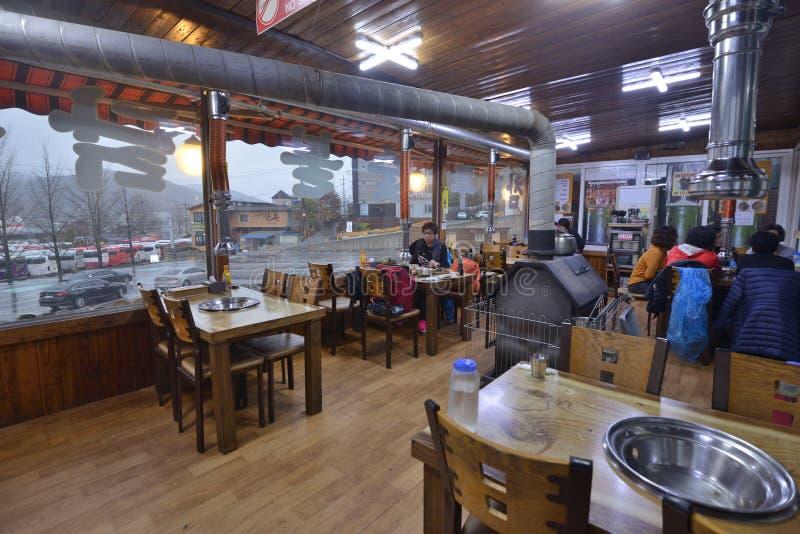 Корейский дизайн интерьера ресторана стиля стоковые фотографии rf