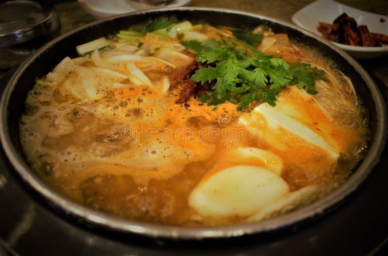 Корейское блюдо Kimchi-jjigae, тушеное мясо Kimchi стоковое изображение rf