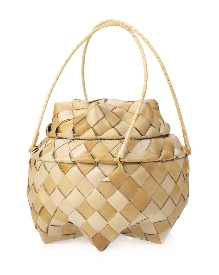 Корзина лист кокоса для хранить сваренный липкий рис стоковые фото