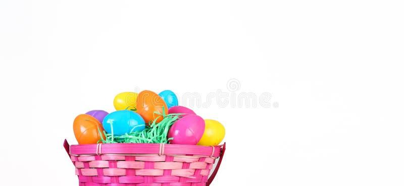 Корзина пасхального яйца стоковое фото rf