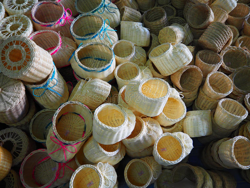 Корзины и соткать коробки ткани стоковые изображения