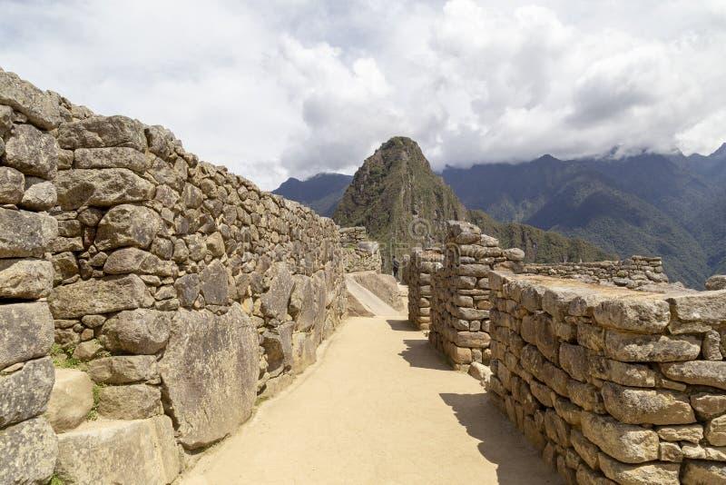 коридоры горы Machu Picchu и Huayna Picchu в Перу, увиденные от двери солнца стоковые изображения