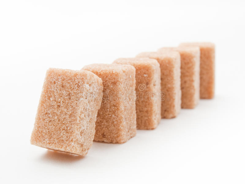 коричневый сахар домино стоковое изображение rf