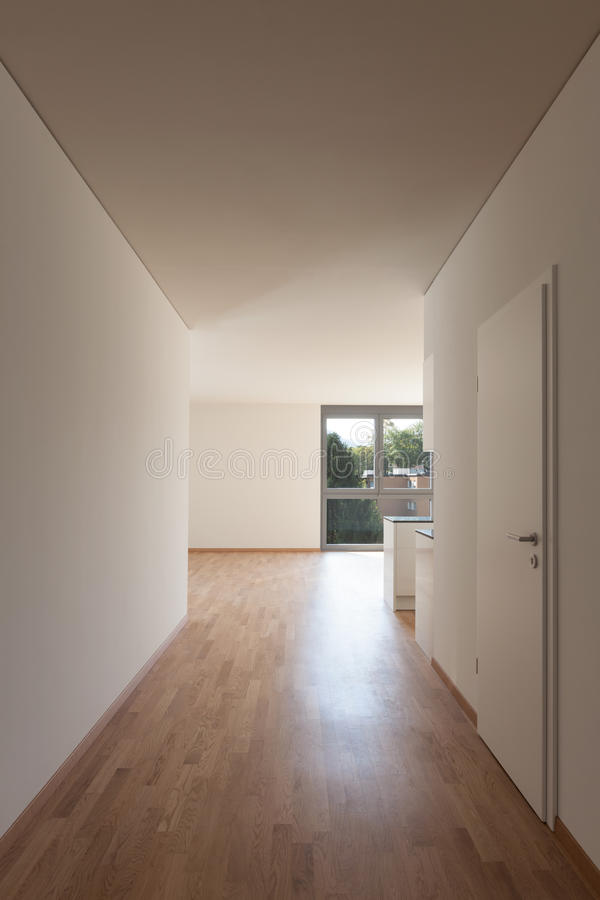 Коридор в пустой квартире стоковые фото
