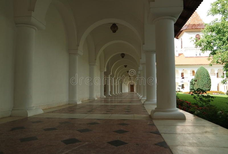 Коридор монастыря стоковая фотография rf