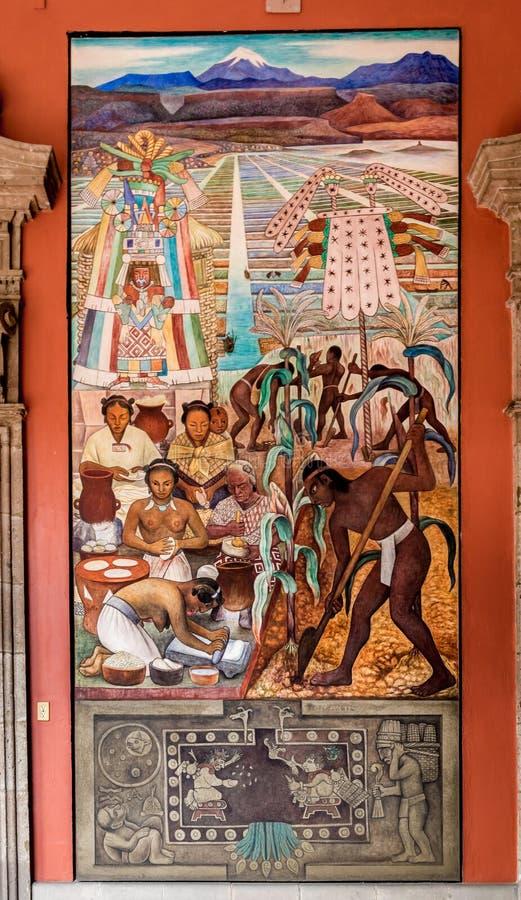 Коридор национального дворца с известной настенной росписью цивилизация Huaxtec Diego Rivera - Мехико, Мексикой стоковые изображения