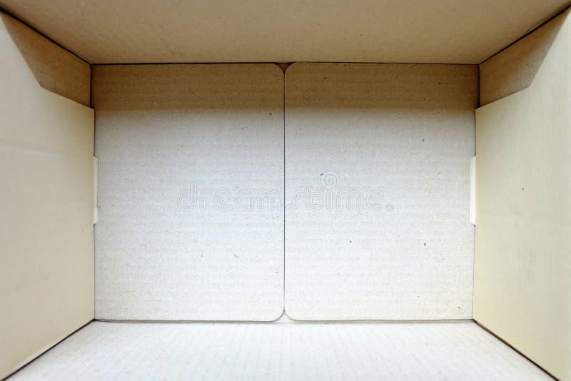 реальности смотрятся картинка для коробки внутрь бумажным