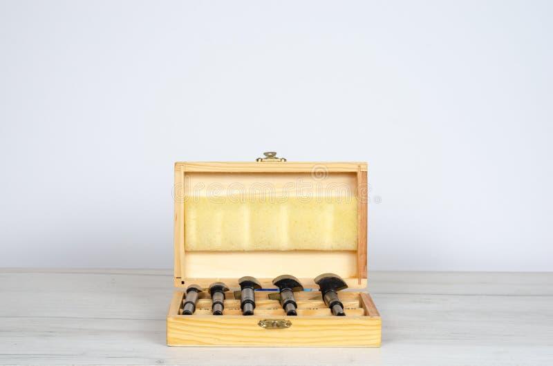Коробка инструментов для помощи разнорабочего стоковое фото rf