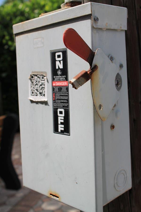 Коробка переключателя мощности снаружи стоковая фотография rf