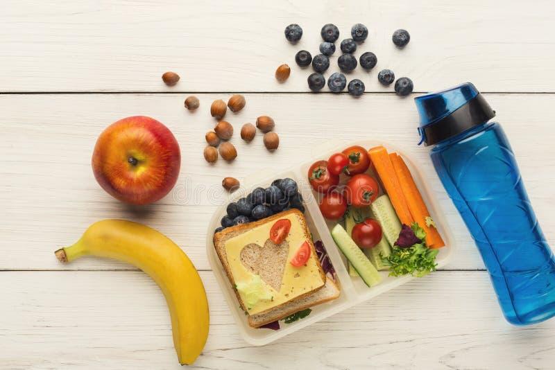 Коробки для завтрака для ребенк Здоровая закуска для обедающего школы стоковое фото rf