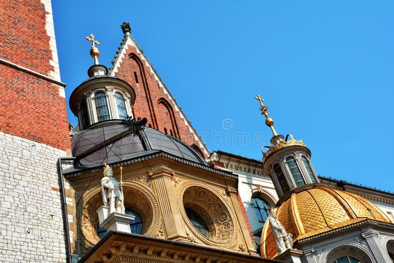 Королевская базилика Archcathedral Святых Stanislaus и Wenceslaus на холме Wawel стоковые фото