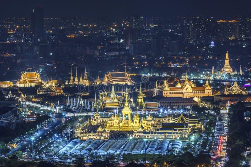 Королевская выставка кремации, Бангкок, Таиланд - 24-ое ноября: Королевский крематорий для HM короля Bhumibol Adulyadej на 24,20  стоковые изображения rf