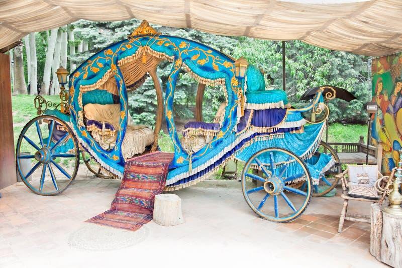 Королевская карета в Saad Abad, Тегеран стоковое фото
