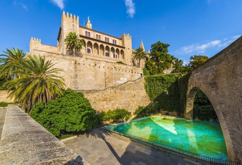 Королевский дворец Ла Almudaina, островов Palma de Mallorca, Испании стоковые изображения