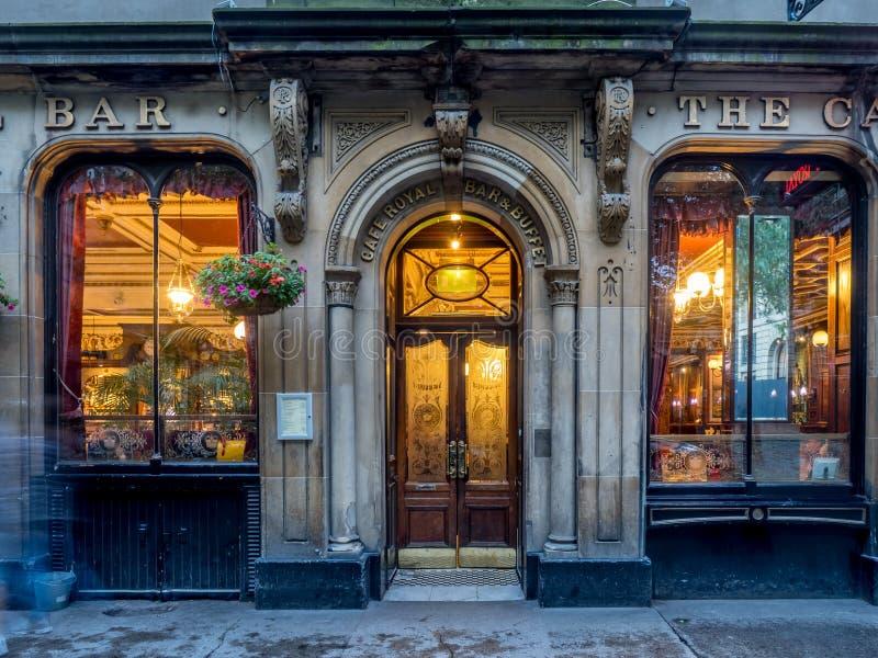 Королевское кафе в городке ` s Эдинбурга новом стоковое изображение rf