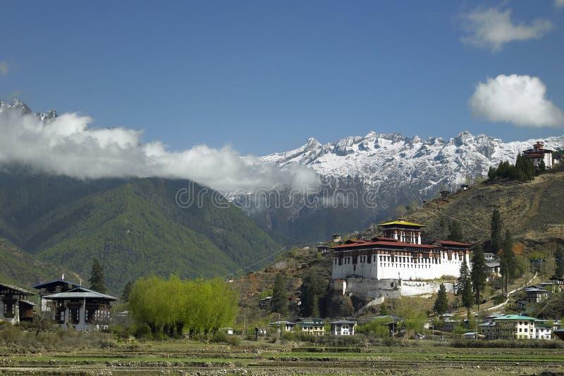 Королевство Бутана - Paro Dzong - Гималаи стоковые фотографии rf