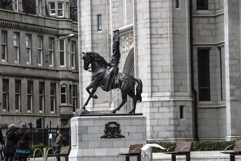 Король Роберт статуя Брюс Абердин, Шотландия, Великобритания стоковая фотография rf