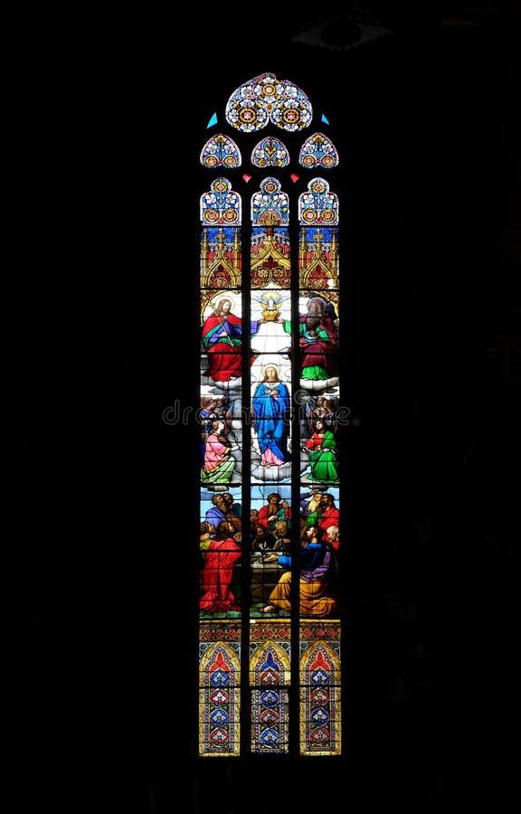 Коронование благословленной девой марии стоковое изображение