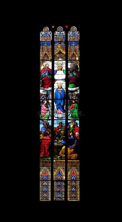 Коронование благословленной девой марии стоковые изображения rf