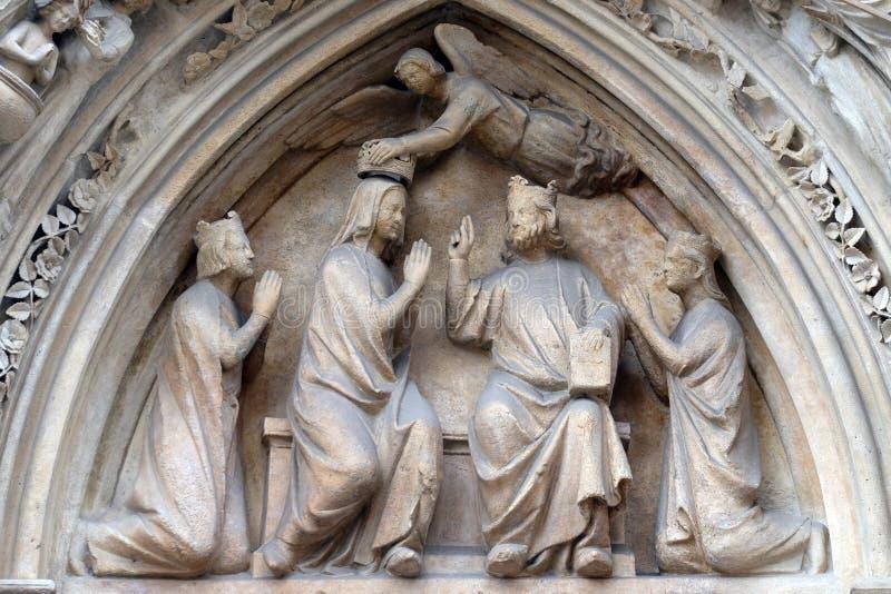 Коронование девой марии, собор Нотр-Дам, Париж стоковые изображения rf