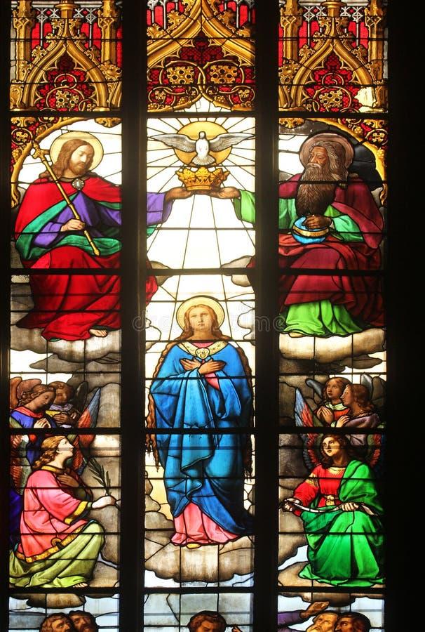 Коронование девой марии стоковое изображение rf