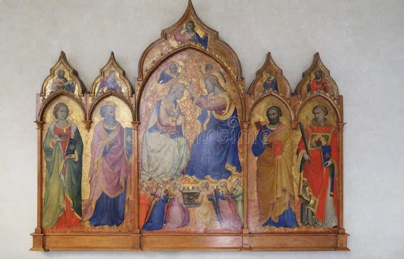 Коронование девственницы между Святыми Mary Magdalene, Джоном евангелист, Питер и Стефан стоковое изображение rf