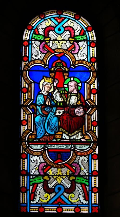 Коронование матери Mary Иисусом Христом на небесах стоковое изображение rf
