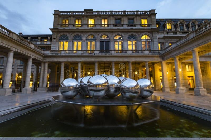 Королевский дворец в Париже стоковое фото