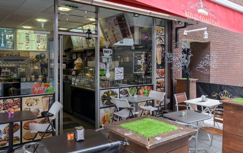 Королевское кафе побережья на улице Чарльза стоковое фото rf
