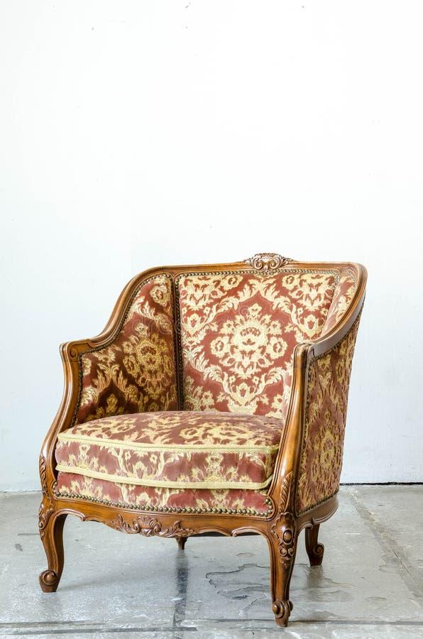 Королевское классическое кресло софы кресла стиля стоковая фотография