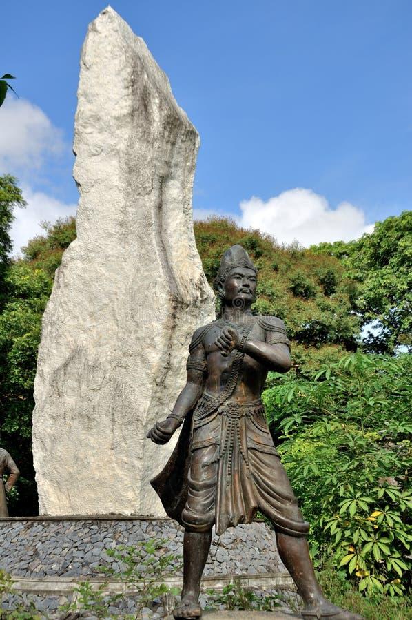Король Статуя в дворце Мандалая стоковая фотография rf